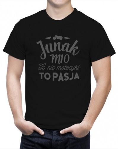 Koszulka z napisem Junak m10 to nie motocykl, to pasja.