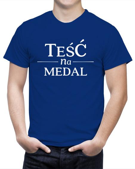 Niebieska koszulka z napisem Teść na Medal.