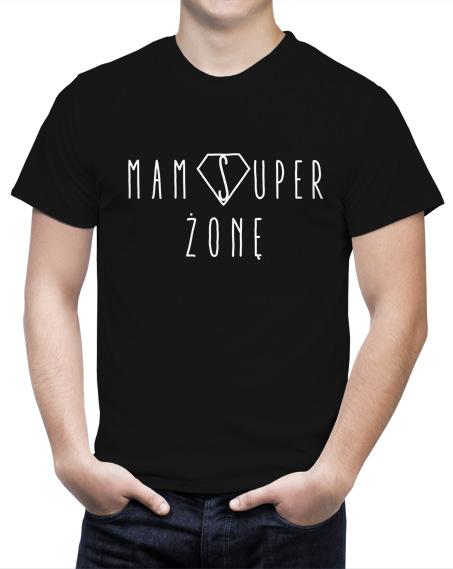 Czarna Męska koszulka z napisem mam super żonę.